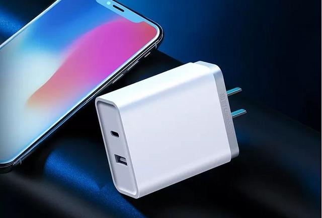 比7.5W無線充電快太多,PD快充充iPhoneX可達18W
