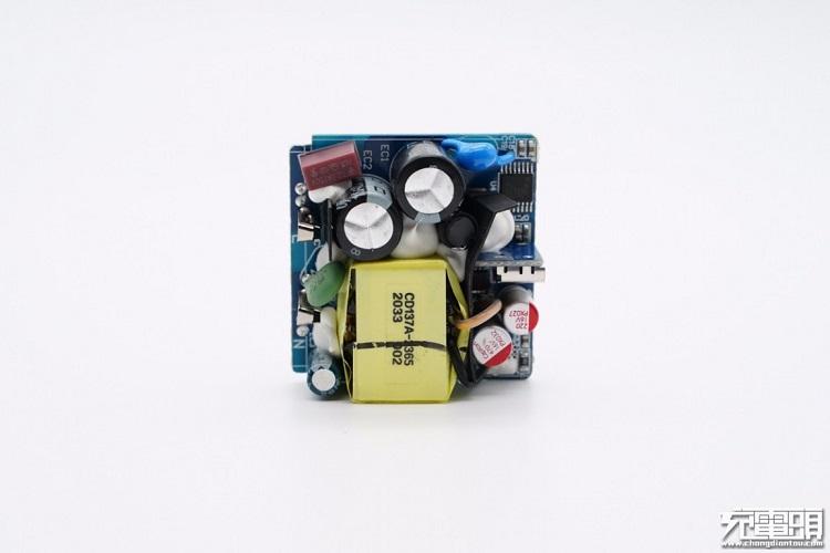 绿联PD20W充电器开箱评测:拆解篇(下)